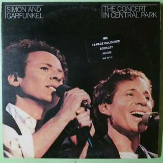 "【舊版""Folk, World, & Country""黑膠唱片】Simon & Garfunkel ‎~ The Concert In Central Park (1982 Hong Kong)"