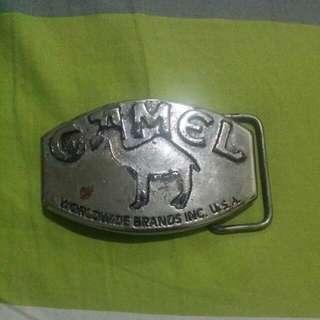 Camel belt buckle