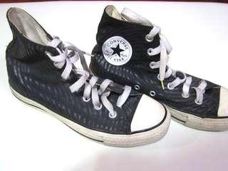 Black high-cut Converse size 6 (original)