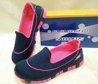 SKECHERS ( 36-40 available sizes )