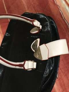 Laptop bag can use as a handbag