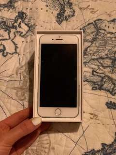 128gb iPhone 7 with charging case, pop socket and car mount