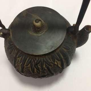 舊日本鉄壺