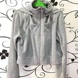 Cropped jacket w/hood