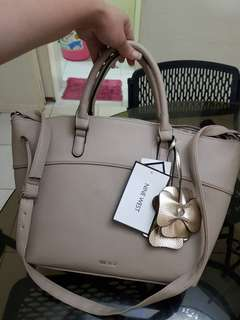 CLEARANCE! BNEW AUTHENTIC NINE WEST CALEY TWO WAY TOTE
