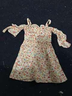 Off shoulder w/ strap dress