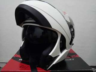 Helmet KYT flip Up