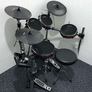 Alesis Crimson Mesh Kit (complete with throne and Kick Pedal)
