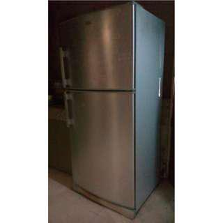Electrolux White Westinghouse 2-Door Refrigerator