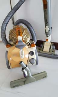 Dyson Cyclone cleaner