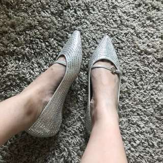 LN Grips Flat Shoes