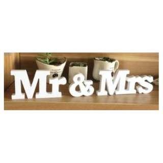 "ROM / Wedding_Props Rental_White Wooden ""Mr & Mrs"" wedding sign"