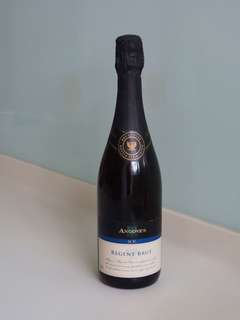 Angove's regent brut, 25 yrs old.