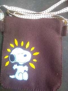 Tas untuk wadah hp dan aksesorisnya
