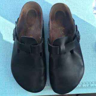 🚚 Birkenstock勃肯黑皮麵包鞋43號