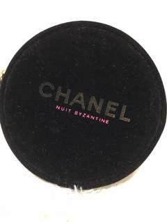 🚚 BN Chanel Makeup Round Pouch