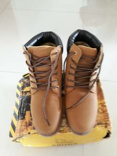Female Brand New Boots