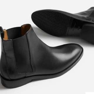 🚚 Everlane The Modern Chelsea Boot (5.5)
