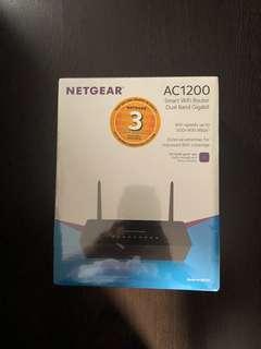 NETGEAR AC1200 Wifi Router