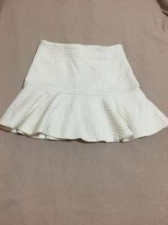 Flare white textured short skirt tekstur timbul tebal bagus putih rok pendek wanita