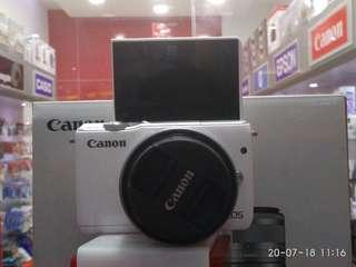 Kredit CANON M10