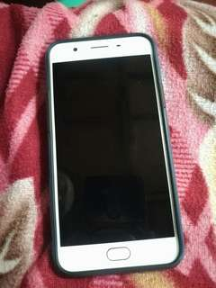 Selling Oppo F1s