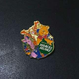 迪士尼襟章 小熊維尼 豬仔 跳跳虎 咿唷 (Winnie the Pooh & friends 100 acre holiday Disney Pin)