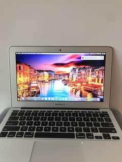 Apple MacBook Air [11-inch/8gb Ram/128gb SSD]