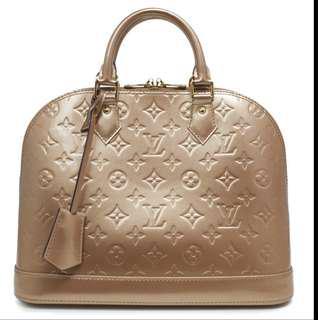 Louis Vuitton Beige Poudre Vernis Alma PM