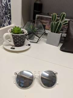 Silver clear sunglasses sunnies round