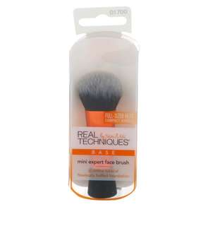 🚚 🔴INSTOCK🔴Real Techniques by Sam and Nic, Mini Expert Face Brush, 1 Brush