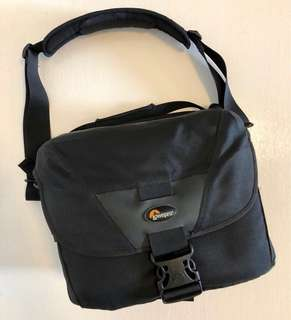 Lowepro Camera Bag - Stealth Reporter D400AW