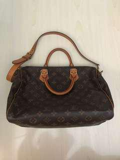 Authentic Louis Vuitton Bandouliere 30