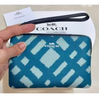 [FINAL SALE] BN Authentic COACH Corner Zip Small Wristlet with Wild Plaid Print - Blue