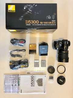 Nikon D5300 + 18-140mm + B+W UV + 2 Nikon Batt