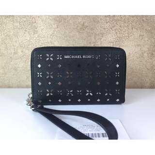 MICHAEL KORS 32T6STVE2U JET SET TRAVEL LARGE PERFORATED-LEATHER PHONE CASE