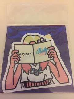 Taeyeon fanbook card.