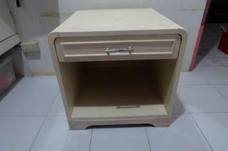 MARKED DOWN MARKED DOWN: NIGHT/SIDE TABLE