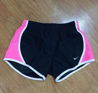 Celana olahraga wanita nike