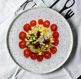 🚚 P.O. dinnerware plates
