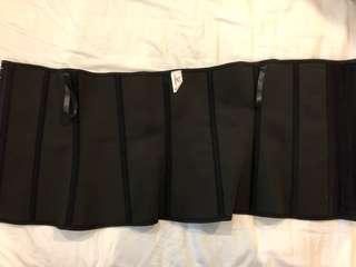 Black body latex waist trainer
