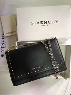 GIVENCHY Pandora wallet on chain with studs