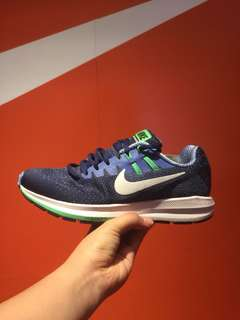 wmns Nike Structure 20