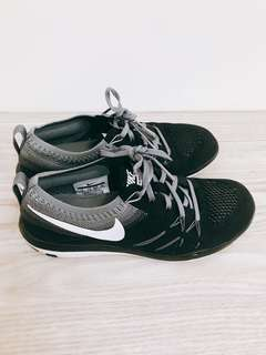 🚚 Nike 球鞋(只穿過ㄧ次)23號
