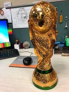 Replika Trofi Piala Dunia (World Cup)
