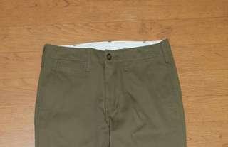 Uniqlo mens chino pants regular / olive green