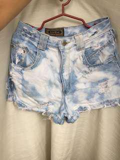 Highwaist bleached shorts