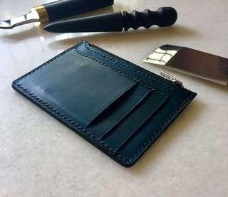 A|07 Handstitched Zipped Cardholder