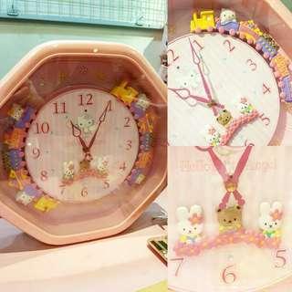 Citizen x Sanrio Hello Kitty clock