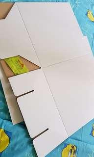 Large cake box / gift box for stuff toys